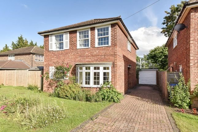 Thumbnail Detached house for sale in Barn Drive, Maidenhead