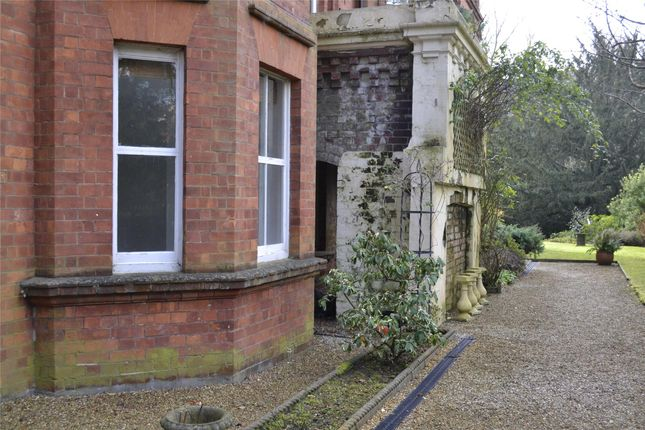 Thumbnail Flat to rent in Molyneux Park Road, Tunbridge Wells, Kent
