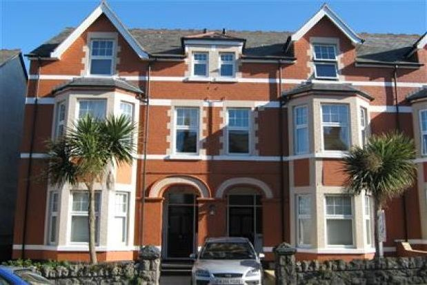 Thumbnail Flat to rent in Hawarden Road, Colwyn Bay