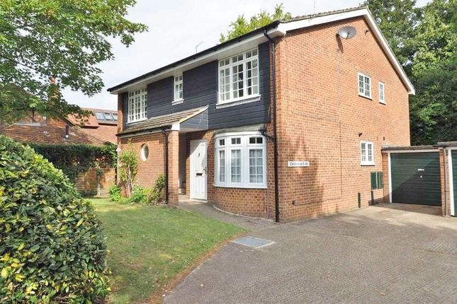 1 bed flat for sale in Middle Hill, Englefield Green TW20