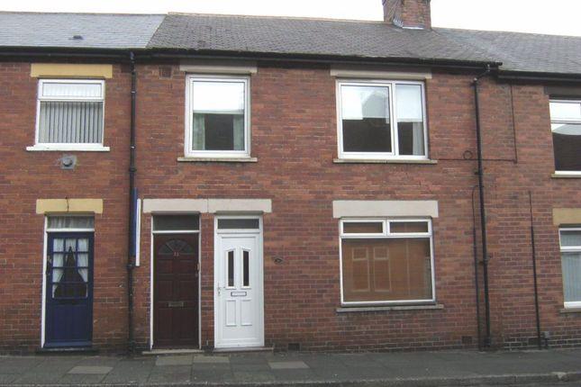 Thumbnail Flat to rent in Elsdon Terrace, North Shields