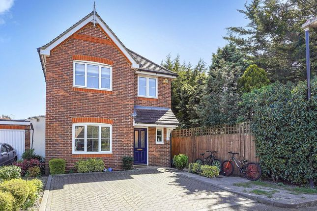 Thumbnail Property to rent in Leigh Place, Feltham