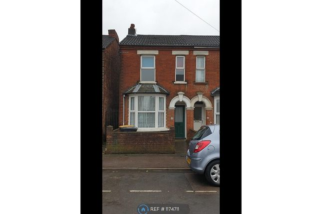 2 bed end terrace house to rent in College Road, Bedford MK42