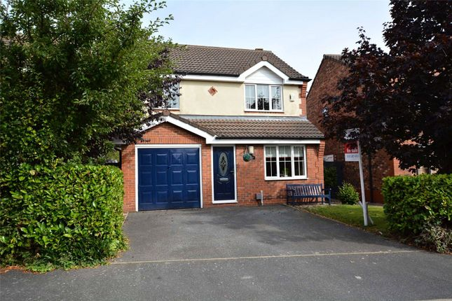 4 bed detached house for sale in Mowbray Chase, Woodlesford, Leeds LS26
