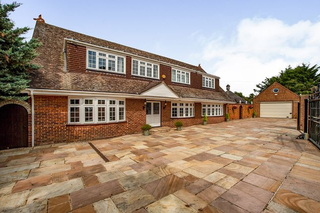 Thumbnail Detached house for sale in High Road, Wilmington, Kent