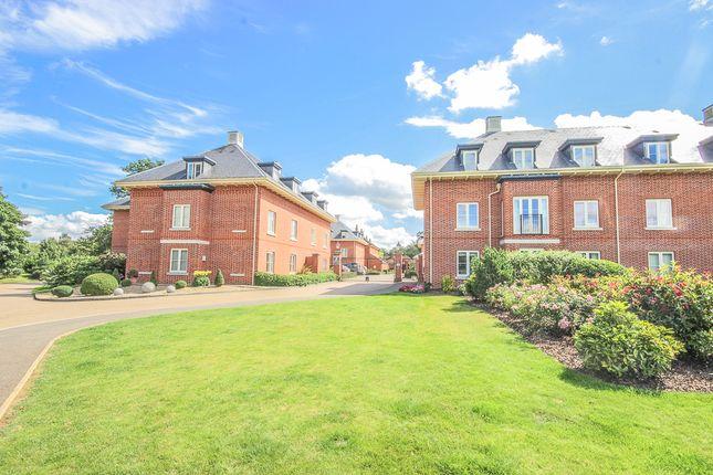 Thumbnail Flat to rent in Henmarsh Court, Balls Park, Hertford