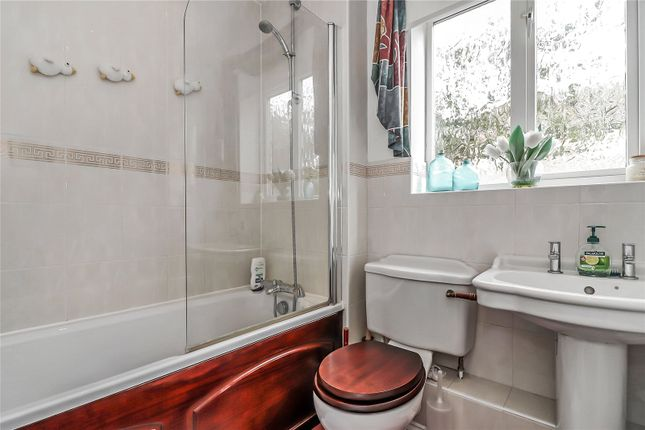 Bathroom of Nightingale Close, Abbots Langley WD5