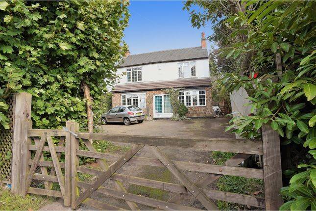 Thumbnail Detached house for sale in Burton Road, Church Gresley