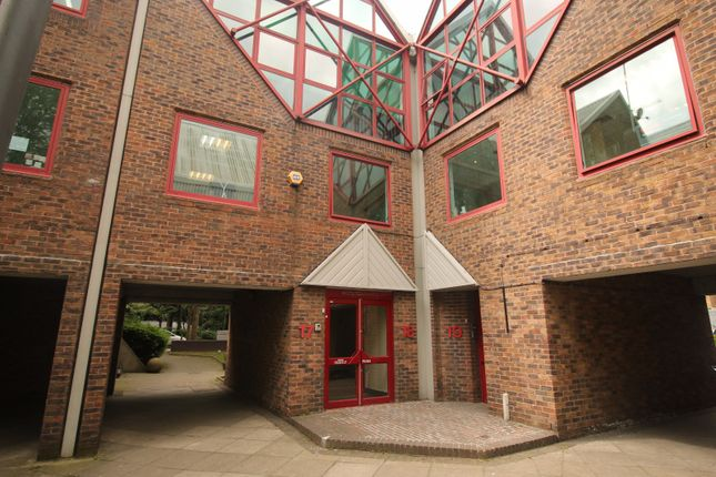 Thumbnail Commercial property to let in Skylines Village, London, Greater London