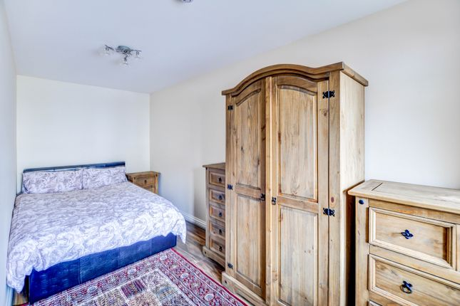 Thumbnail Room to rent in Caburn Heights, Crawley