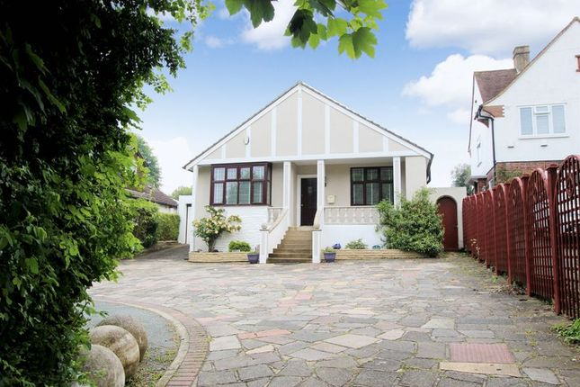 Thumbnail Property for sale in Brighton Road, Lower Kingswood, Tadworth
