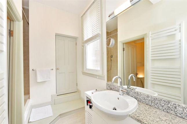 Bathroom of Queens Gate Gardens, South Kensington, London SW7