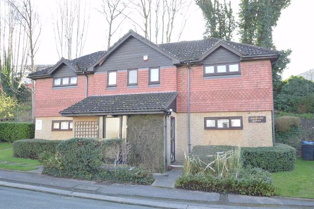 Thumbnail Studio to rent in Station Approach, Coulsdon, Surrey