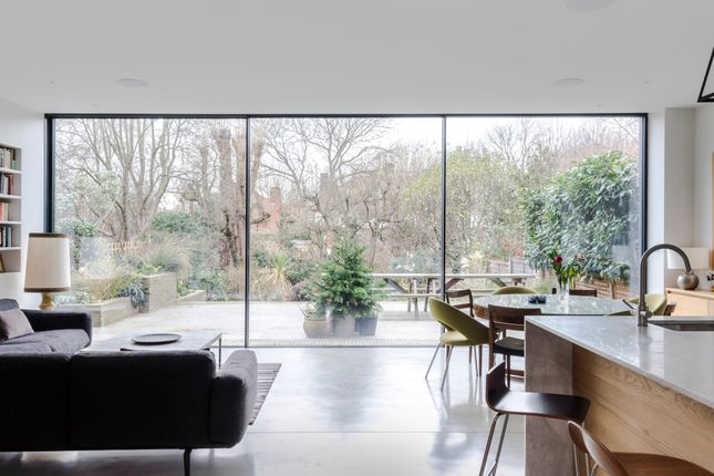 Thumbnail Town house to rent in Dartmouth Park Avenue, London