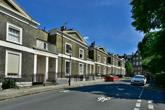 Thumbnail Terraced house to rent in Lloyd Square, London