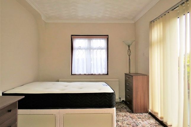 Thumbnail Room to rent in Churchfield Road, Welling