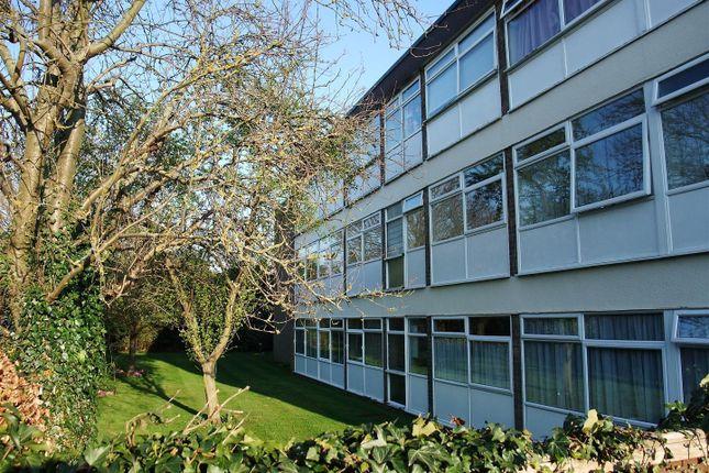 Thumbnail Flat to rent in St. Johns Court, Sanctus Road, Stratford-Upon-Avon