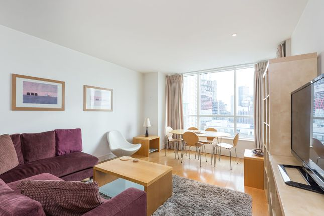 2 bed flat to rent in Westferry Circus, London