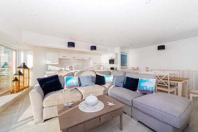 Living Area of Queen Street, Penzance TR18
