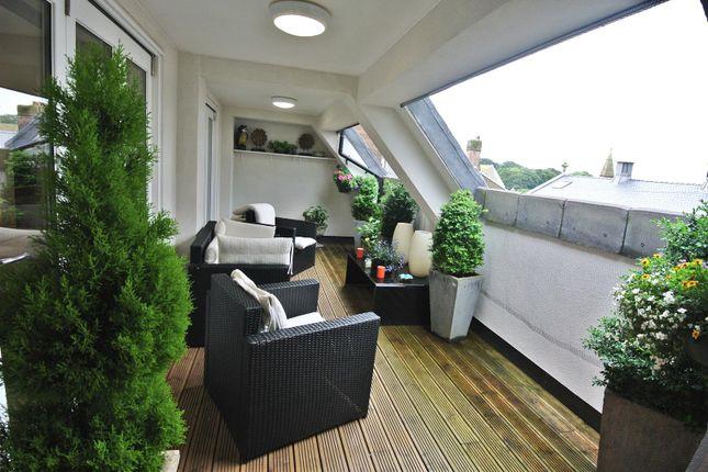 Private Balcony of Kershaw Drive, Lancaster LA1