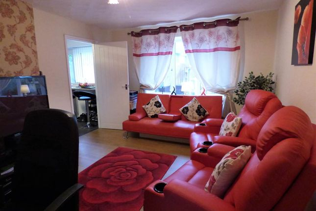Thumbnail Property to rent in Ross Avenue, Carmarthen, Carmarthenshire
