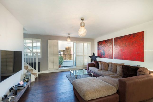 Thumbnail Flat for sale in Flat 3 254 Sussex Way, Archway