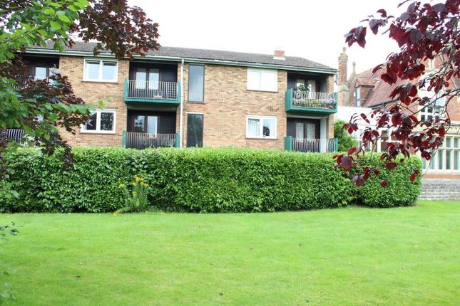 Thumbnail Flat to rent in Rosen Court, Turners Drive, Thatcham, 4Qf.