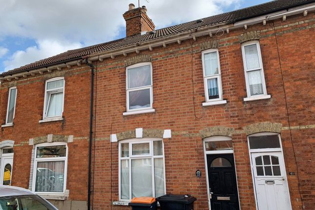 Thumbnail Flat to rent in Hartington Street, Bedford, Bedfordshire