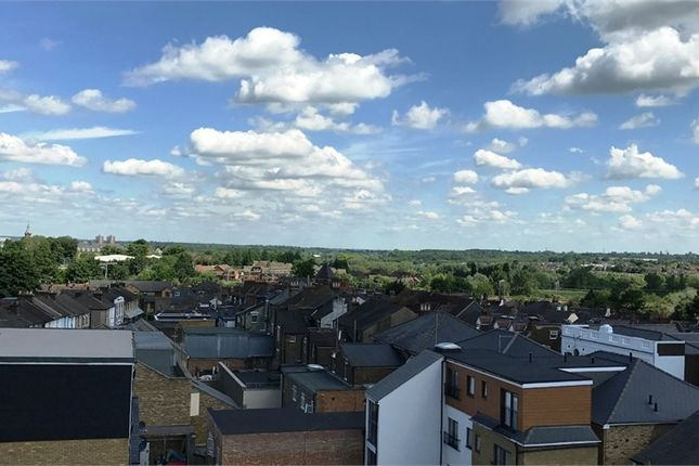 Thumbnail Flat for sale in Queens Gate, Lord Street, Watford, Hertfordshire