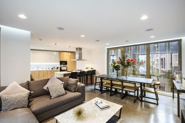 Thumbnail Flat for sale in Sidworth Street, London