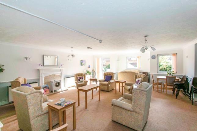 Communal Living of 43 Alum Chine Road, Bournemouth, Dorset BH4