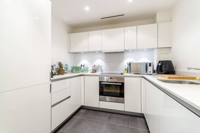Thumbnail Flat to rent in Saffron Central Square, Central Croydon