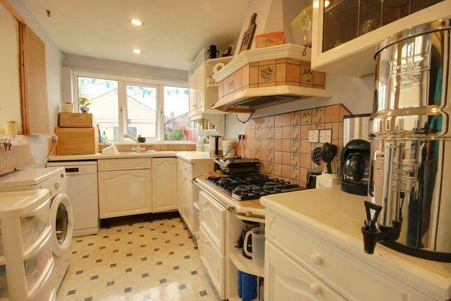 Kitchen of Fairfax Avenue, Hull HU5