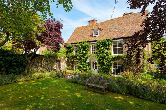 Thumbnail Detached house to rent in Knightrider Street, Sandwich