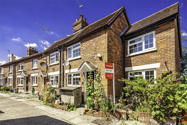 2 bed terraced house for sale in 19 Horn Street, Compton RG20