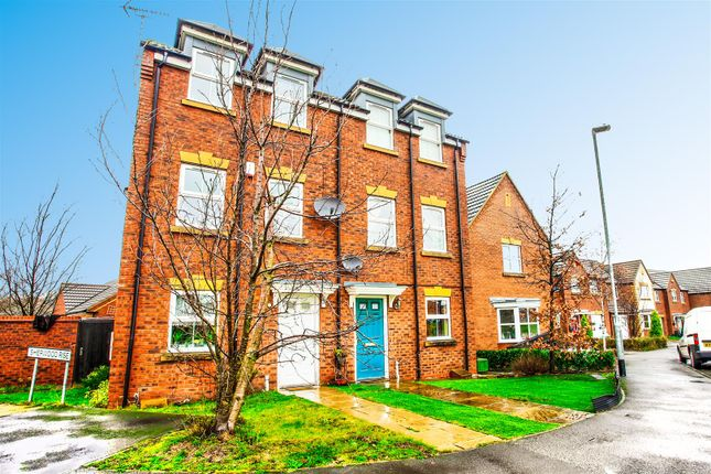 Thumbnail Town house to rent in Dunsil Road, Mansfield Woodhouse, Nottinghamshire
