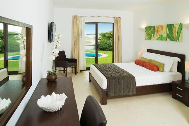 Apartment for sale in White Sands Hotel & Spa Deluxe Swim Up Suite, White Sands Hotel & Spa, Cape Verde