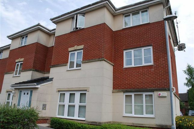 2 bed flat to rent in Whitecroft Meadow, Middleton, Manchester