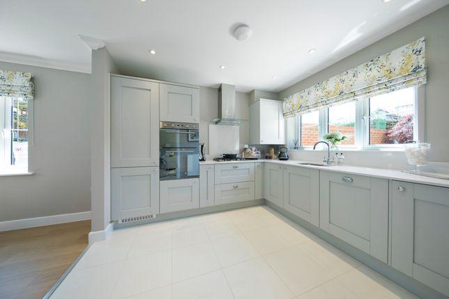 4 bedroom detached house for sale in Ash Green Lane West, Tongham, Surrey