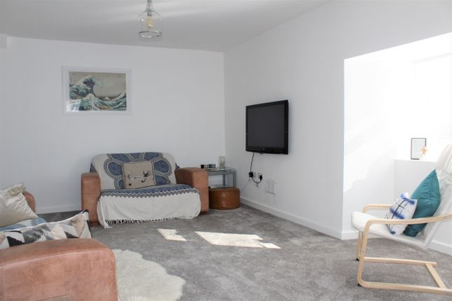 Thumbnail Flat for sale in West Street, Banwell