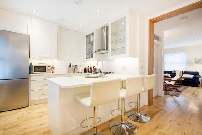 Thumbnail Triplex to rent in Oxberry Avenue, London