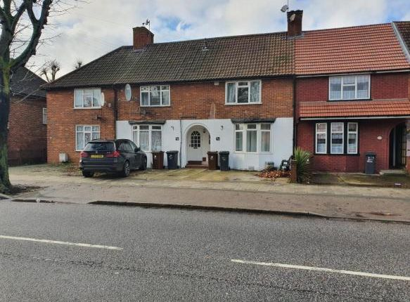 Thumbnail Terraced house to rent in 96 Lodge Avenue, London
