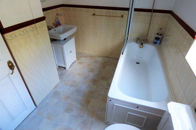 Bathroom of Main Road, Saltfleet, Louth LN11