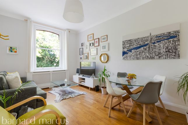 Thumbnail Flat for sale in St. Andrews Square, Surbiton
