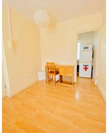 Thumbnail Studio to rent in Balfour Road, Hounslow