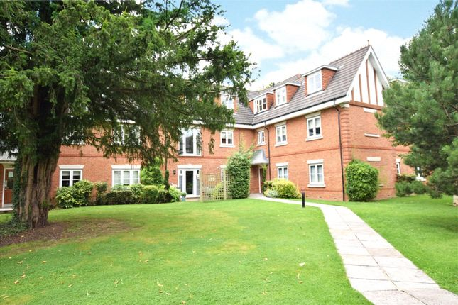 Thumbnail Flat to rent in Oxfordshire Place, Warfield, Bracknell, Berkshire
