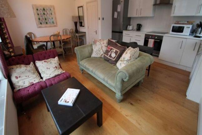 Thumbnail Terraced house to rent in Regent Park Avenue, Hyde Park, Leeds