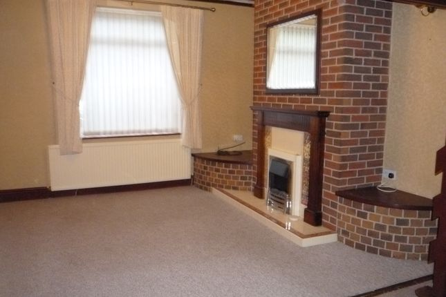Thumbnail Semi-detached house to rent in Townend Road, Ecclesfield, Sheffield.