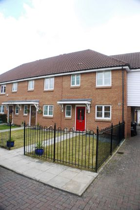3 bed terraced house to rent in Chambers Grove, Welwyn Garden City