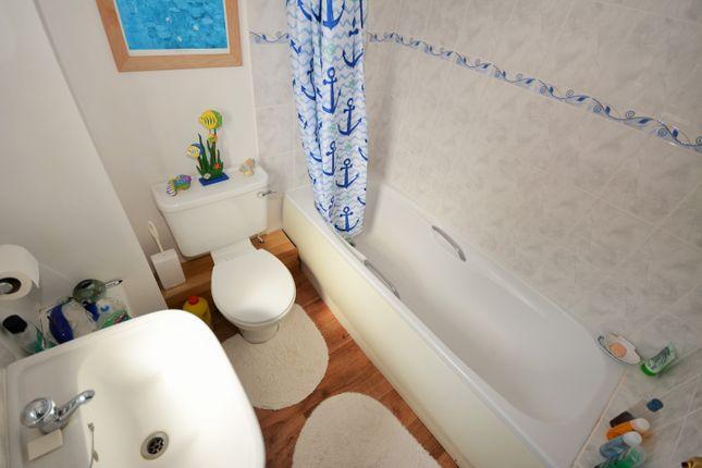 Bathroom of Sunnyfields, Oulton Broad South, Lowestoft, Suffolk NR33